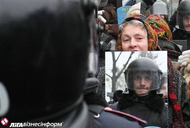 mirroring-riotcops-in-russia