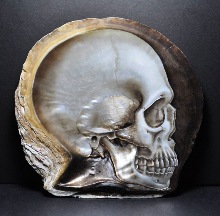hand-carved-skulls-into-mother-of-pearl-shells-by-gregory-raymond-halili-21